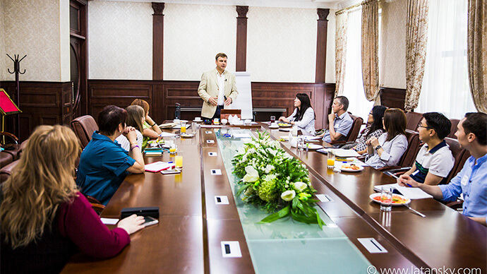 Бишкек. Бизнес-Завтрак с Латанским картинка